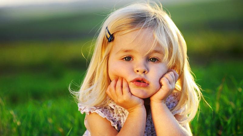 cute_baby_girl-wallpaper-2560x1600