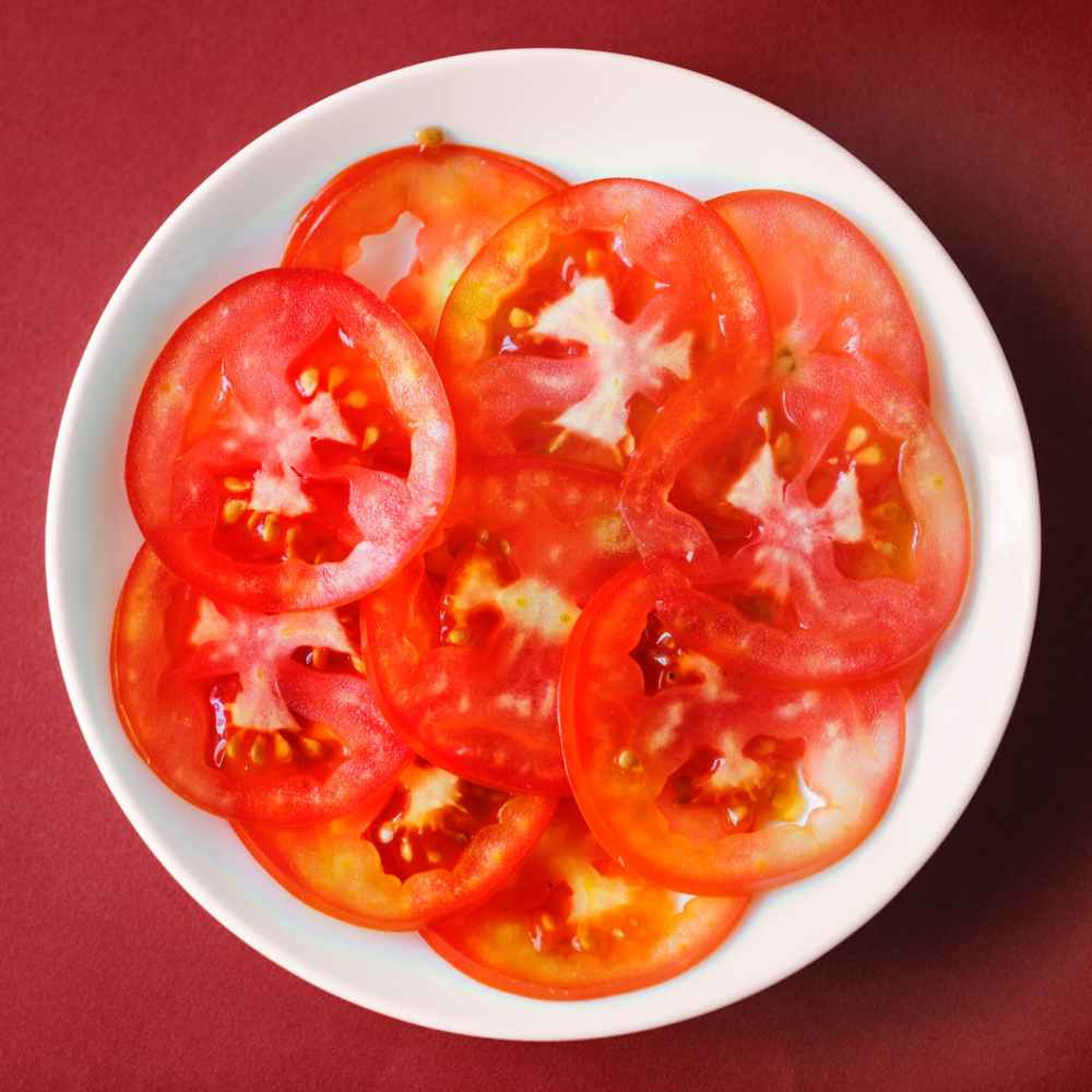What can tomatoes eat with? Can't eat with what?