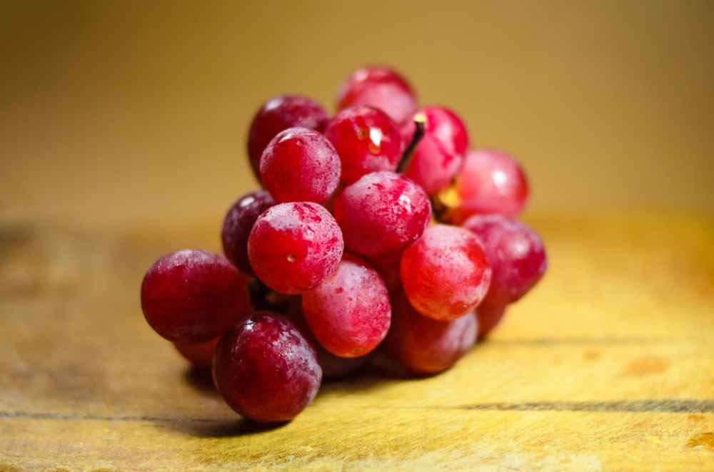 Can pregnant women eat grapes?