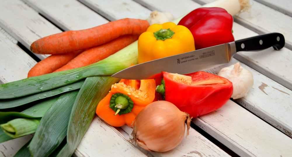 vegetables-knife-paprika-traffic-light-vegetable-40191.jpeg
